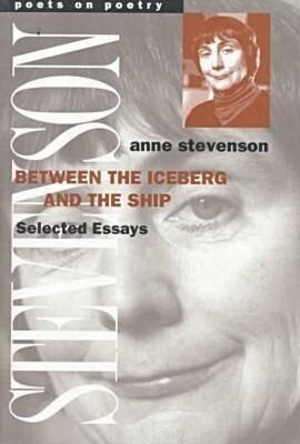 Between the Iceberg and the Ship: Selected Essays als Taschenbuch