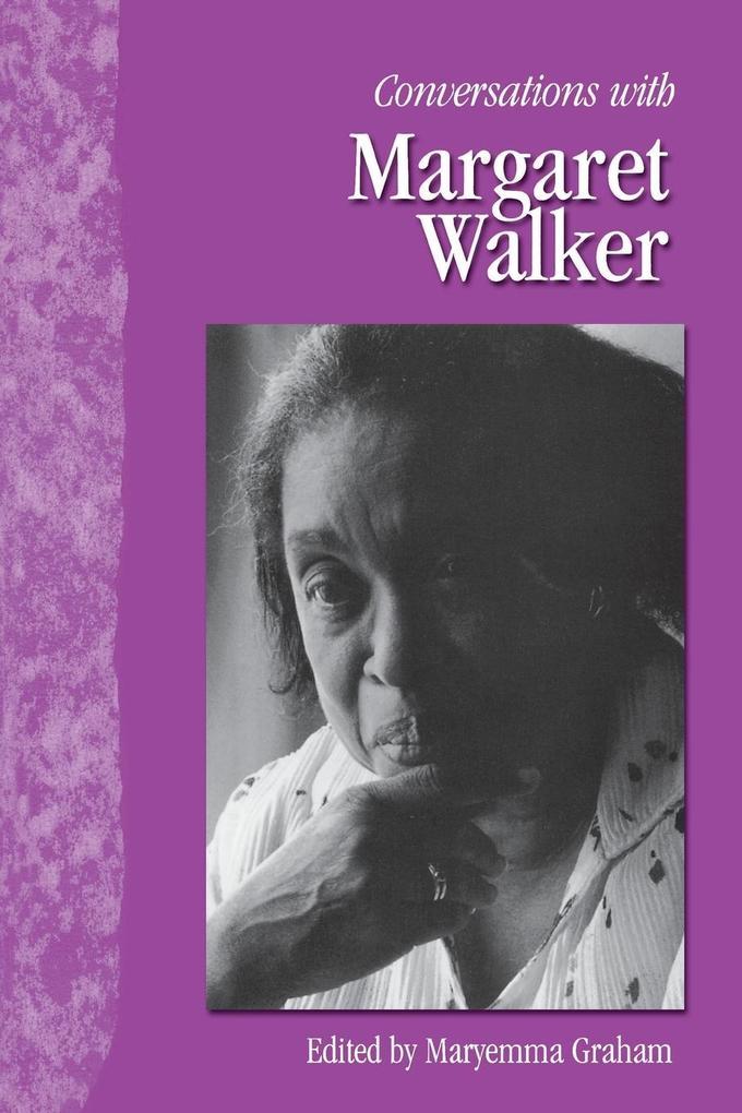 Conversations with Margaret Walker als Taschenbuch