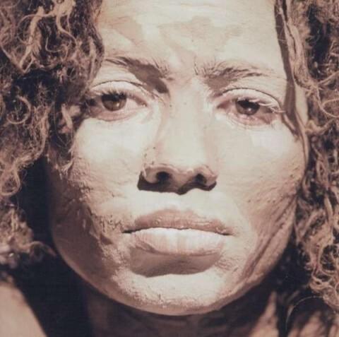 Nneka. Soul is Heavy