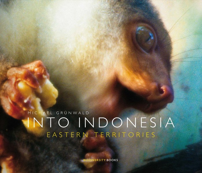 INTO INDONESIA. Eastern Territories als Buch vo...
