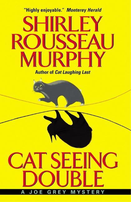 Cat Seeing Double: A Joe Grey Mystery als Taschenbuch
