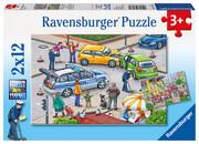 Mit Blaulicht unterwegs. Puzzle 2 x 12 Teile