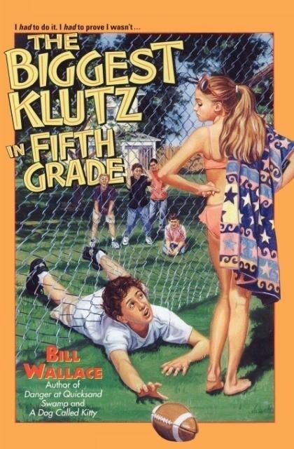 The Biggest Klutz in Fifth Grade als Taschenbuch