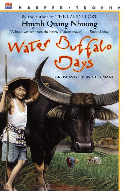 Water Buffalo Days: Growing Up in Vietnam als Taschenbuch