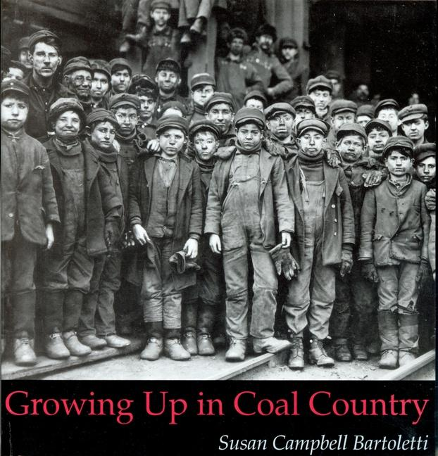 Growing Up in Coal Country als Taschenbuch