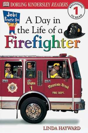 DK Readers L1: Jobs People Do: A Day in the Life of a Firefighter als Taschenbuch