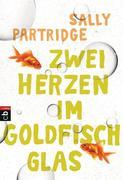 Zwei Herzen im Goldfischglas