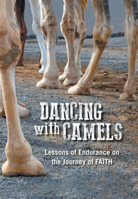Dancing with Camels als Buch von Mike Burnard