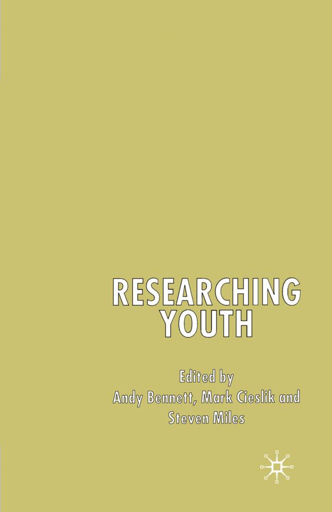 Researching Youth als Buch (gebunden)