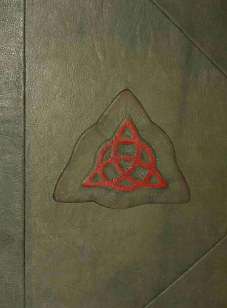 Charmed Book of Shadows Replica als Buch von
