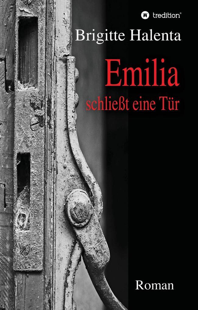 Emilia schließt eine Tür als Buch