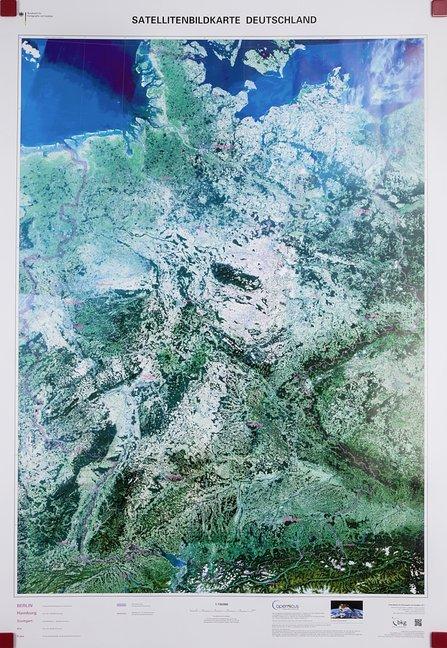 Satellitenbildkarte Deutschland 1 : 750 000. Wa...