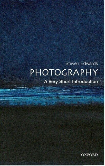 Photography: A Very Short Introduction als Buch