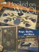 Hooked on Wool: Rugs Quilts and More als Buch