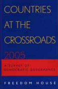 Countries at the Crossroads: A Survey of Democratic Governance als Taschenbuch