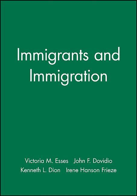 Immigrants and Immigration als Taschenbuch